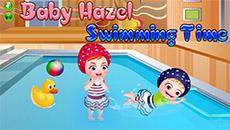 Девочка Хейзел в бассейне